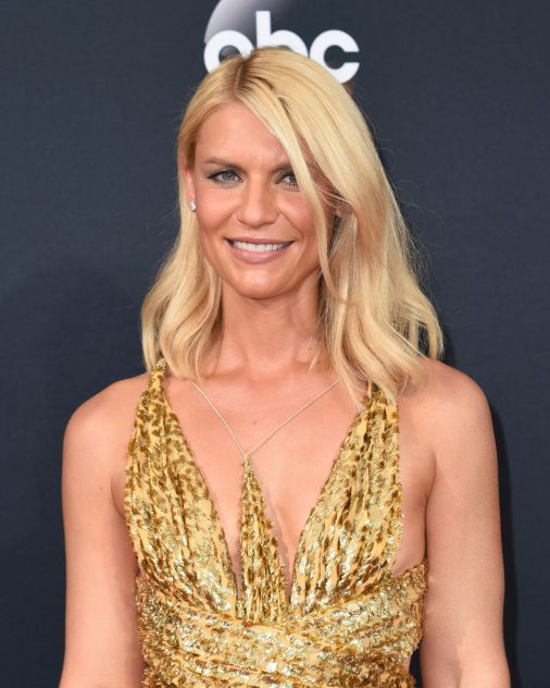claire-danes-emmy-awards-in-los-angeles-09-18-2016-2